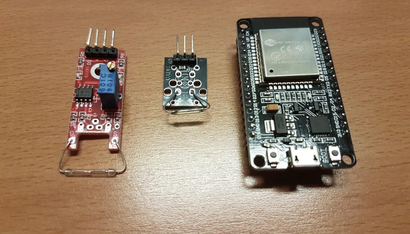 ESP32 und 2 Reed Sensoren